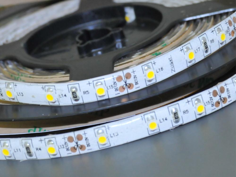 LED Band 60 x 3528 Kaltweiß – Wasserdicht